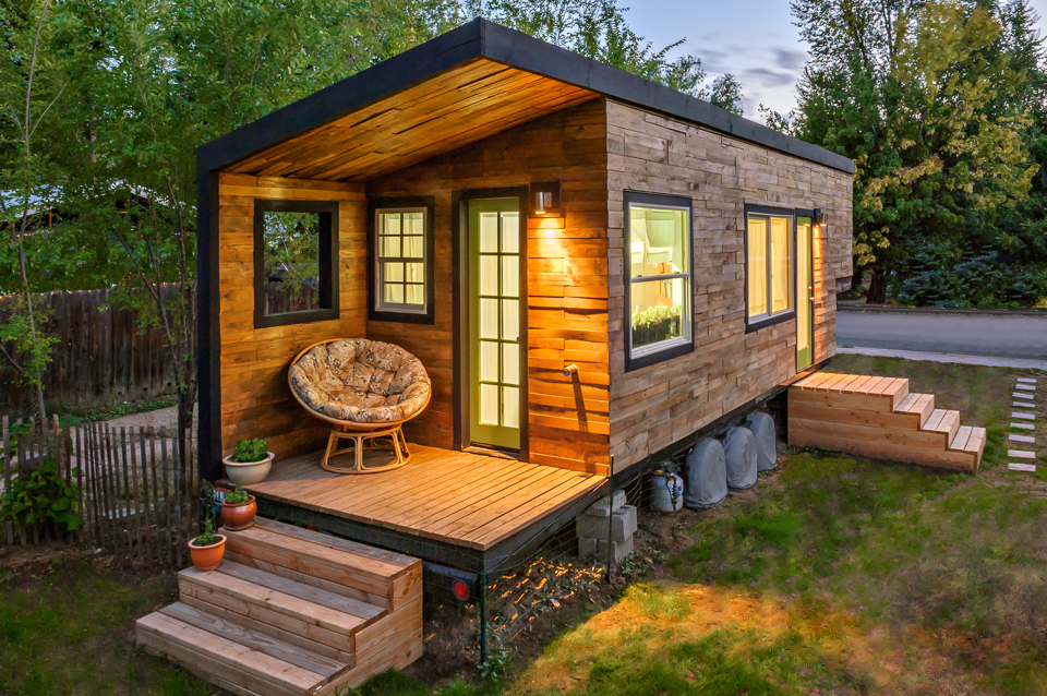 wie transportiert man ein tiny house der trend aus den usa kommt nach deutschland bringhand. Black Bedroom Furniture Sets. Home Design Ideas